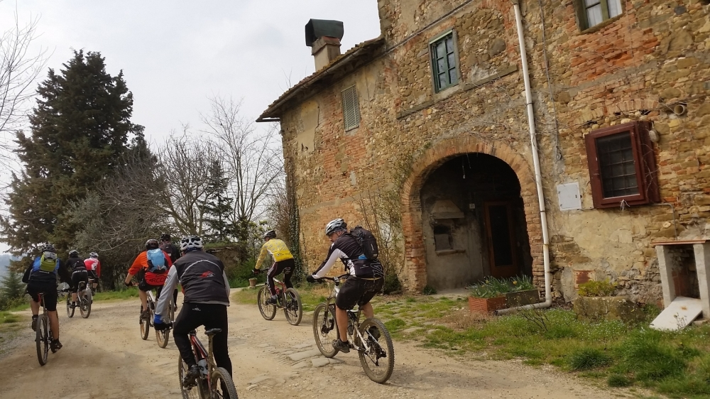 Welcome! Discover Umbria by Mountain bike... Our activities - emotions in e- MTB